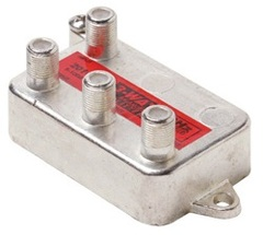 Steren: Vertical 3 Way Coaxial Cable Splitter